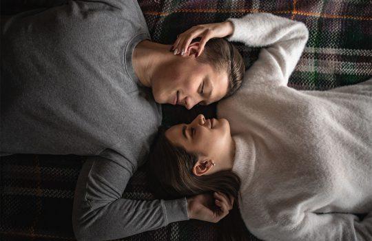 29 idėjos poroms, kurios karantiną praleidžia kartu. Kadangi šiek tiek romantikos dar niekam nepakenkė!